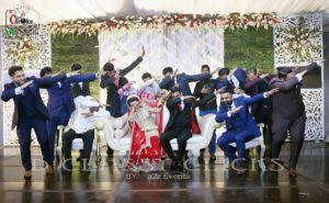 family shoot, grouping, wedding moments, best photographers, dab pose