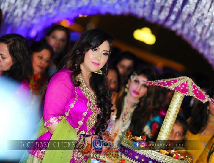 candid, mehndi entry, wedding photography, videographers